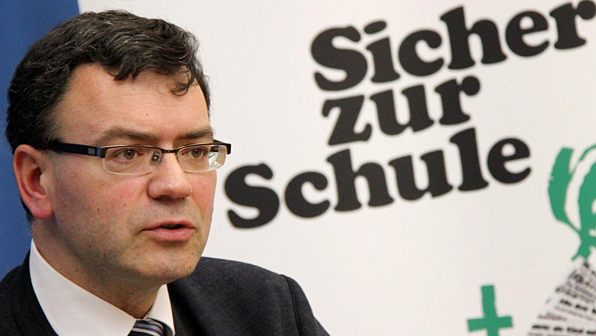 Noch-Präsident der Verkehrswacht Bayern, Florian Herrmann, bei einer Veranstaltung im Jahr 2014. Bis Anfang 2021 muss er diesen Posten aufgeben.