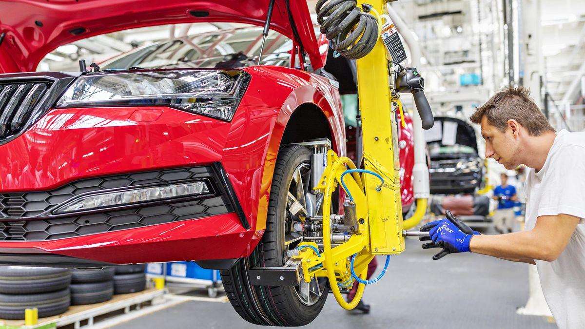 Reifenmontage in einer Produktionsstraße