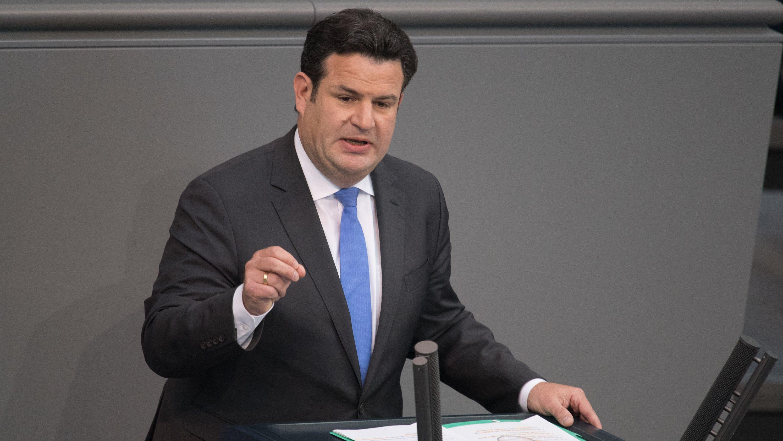 Hubertus Heil (SPD), Bundesarbeitsminister, spricht bei der 61. Sitzung des Deutschen Bundestages.
