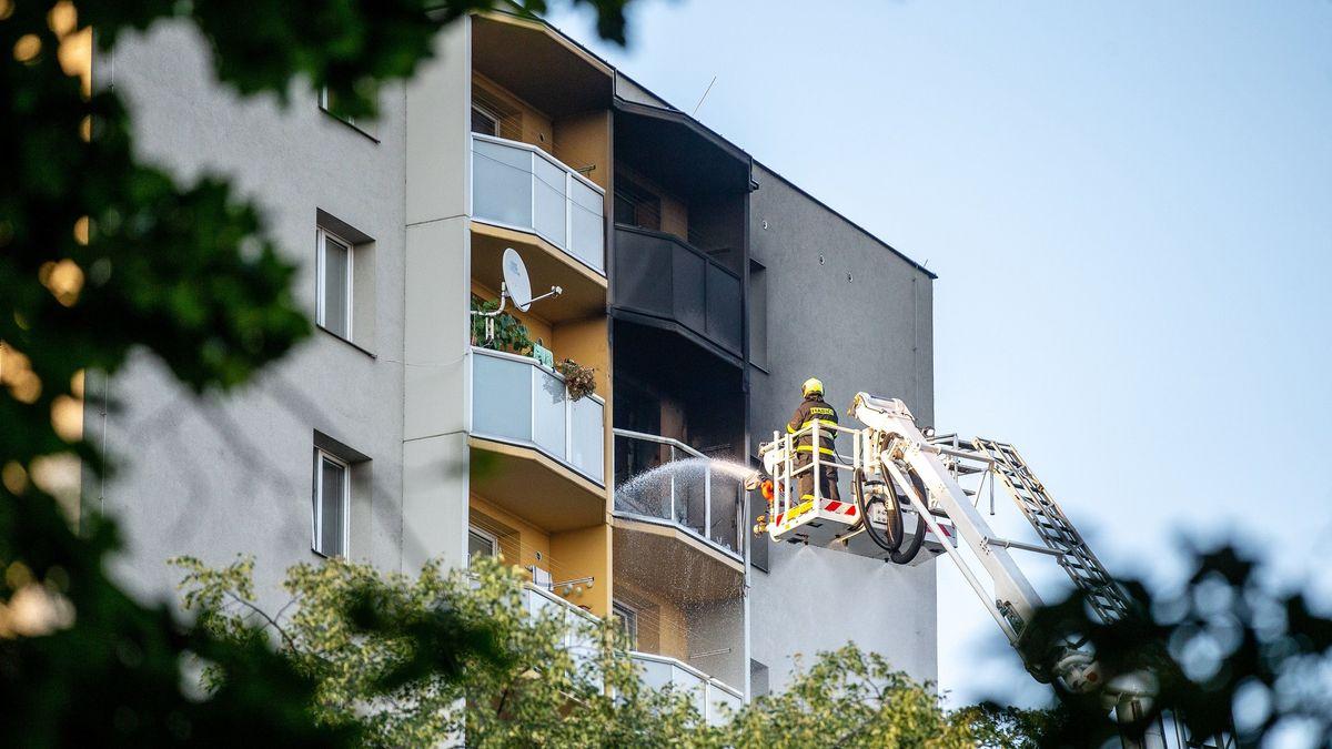 Die Feuerwehr war in der tschechischen Stadt Bohumin wegen eines Hochhaus-Brands mit einem Großaufgebot vor Ort.