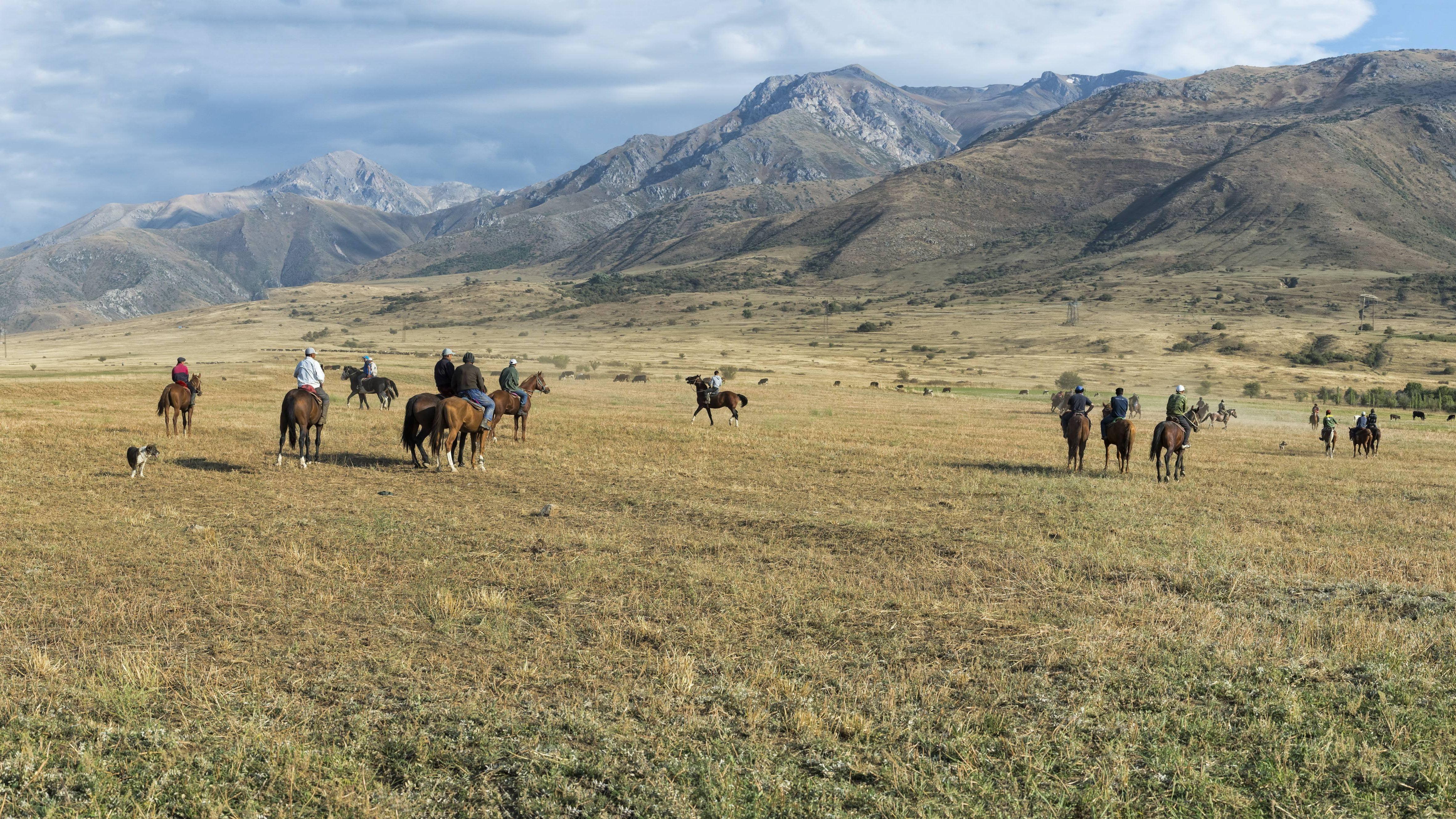 Reiter im Gabagly-Nationalpark bei Schymkent