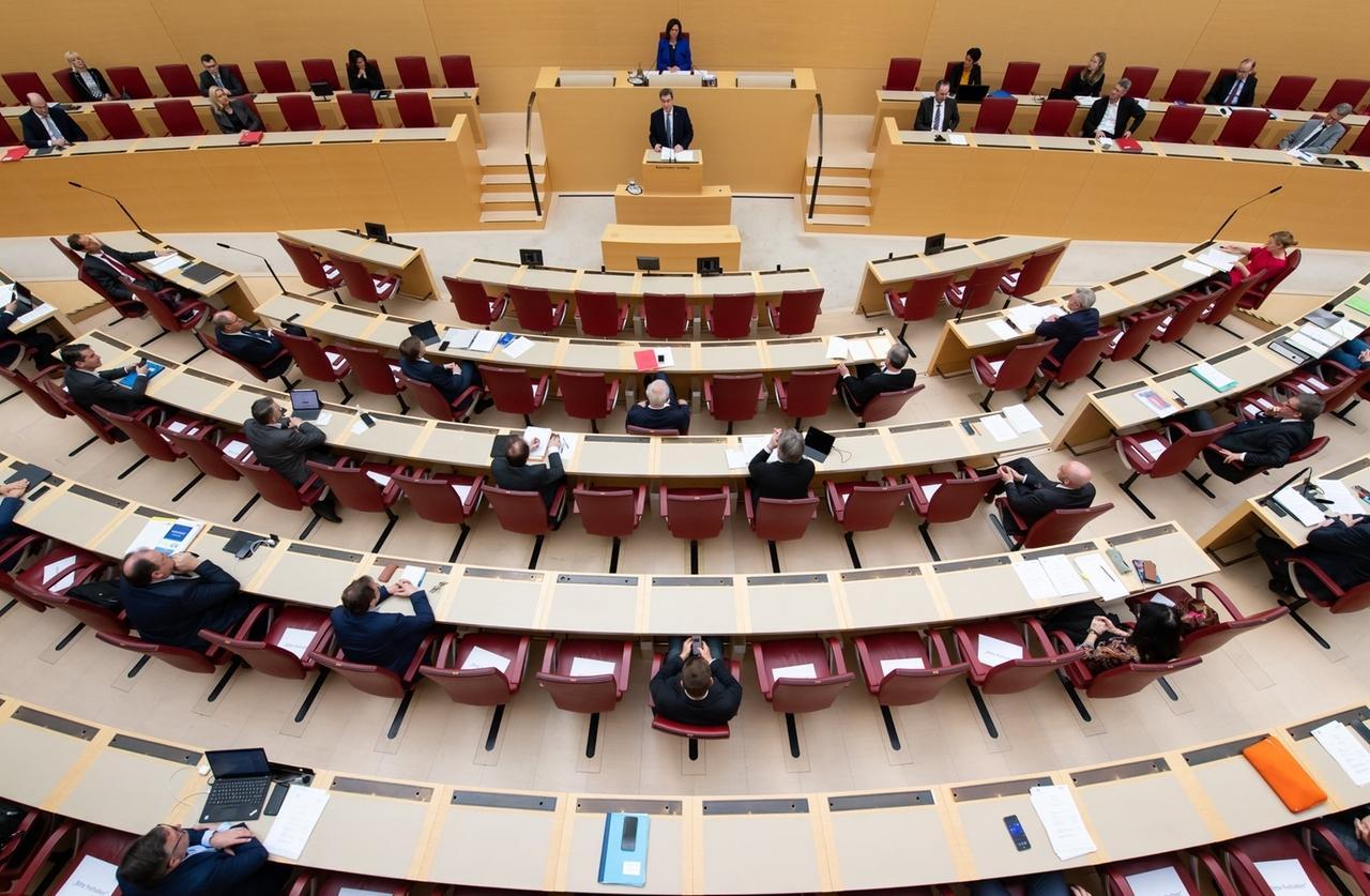 Coronavirus: Bayern führt nächste Woche die Maskenpflicht ein