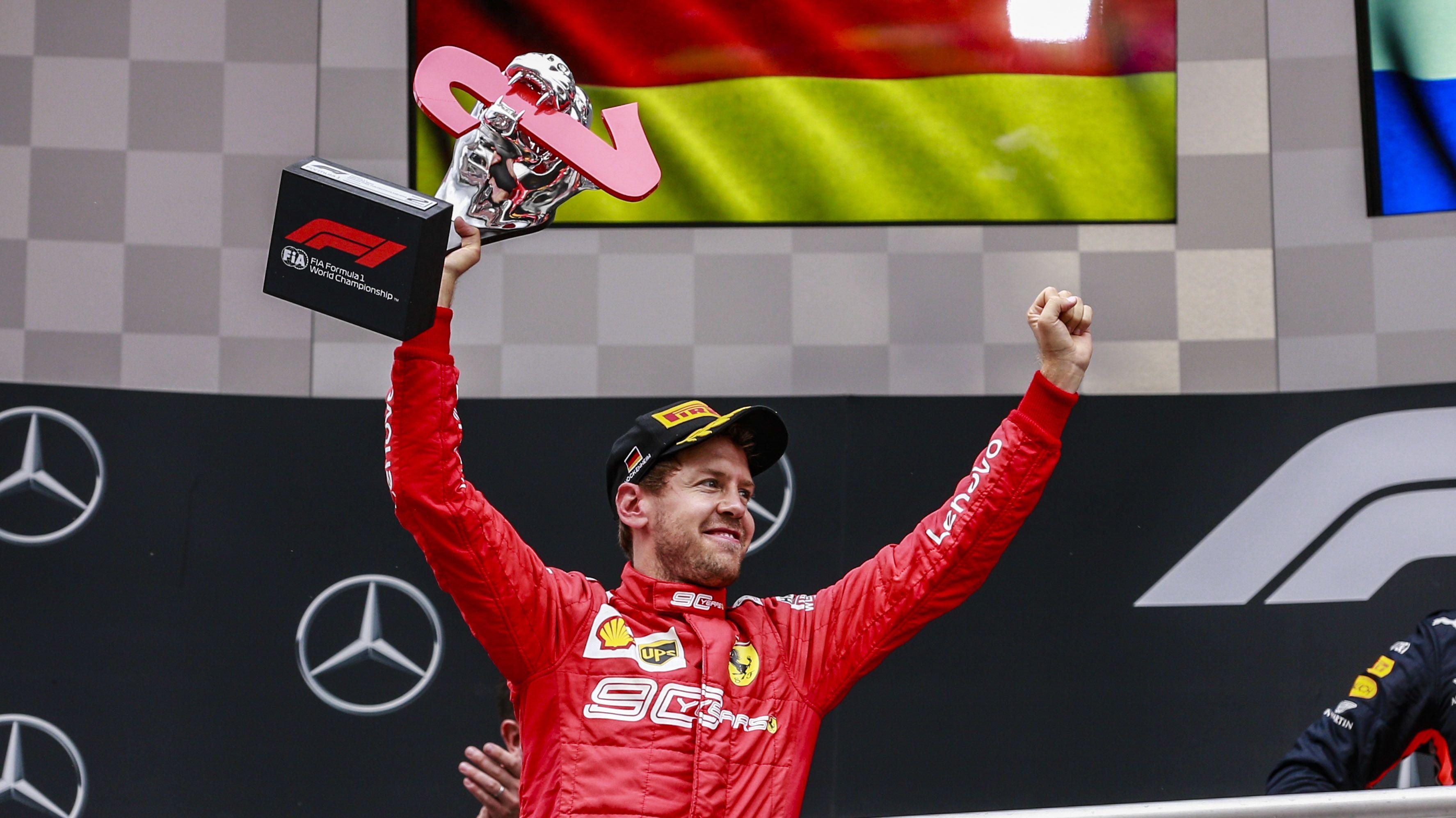 Sebastian Vettel bei der Siegerehrung
