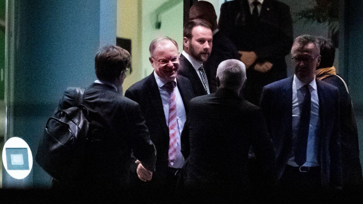 Autogipfel im Kanzleramt - mit Ministerpräsidenten und Vorständen aus der Automobilbranche