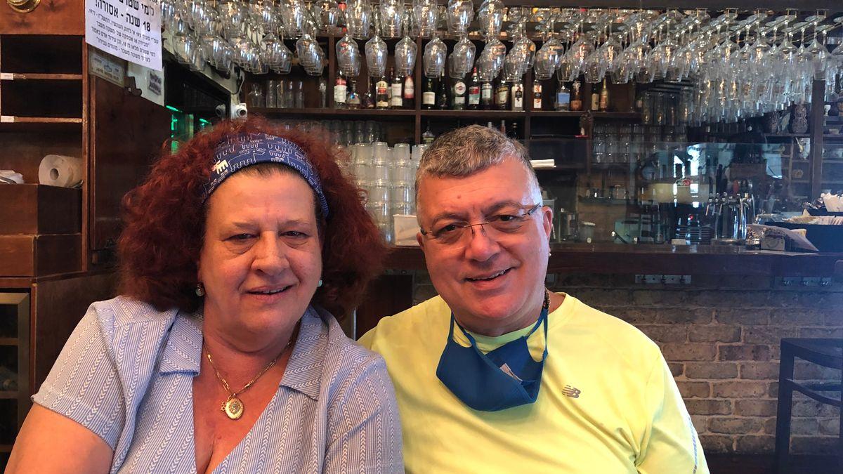 Shlomi Salomon (rechts) und seine Frau Susanna (links) betreiben ein italienisches Restaurant in Israel