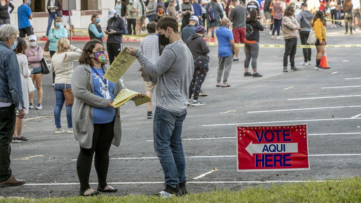 Wähler bei vorzeitiger Stimmabgabe in Austin, Texas