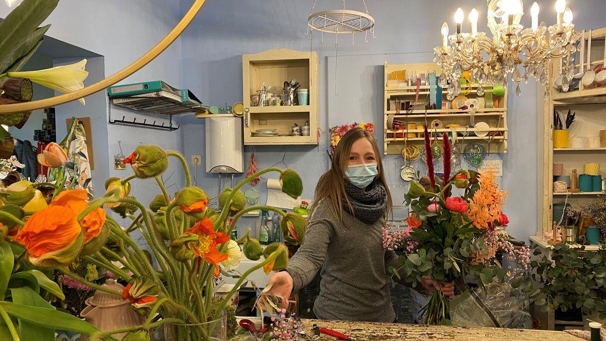 Floristin Veronika Bindhammer hat wichtige Tipps für alle Blumenliebhaber.