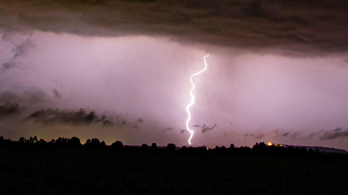 Blitzeinschlag in der Oberpfalz (Symbolbild)