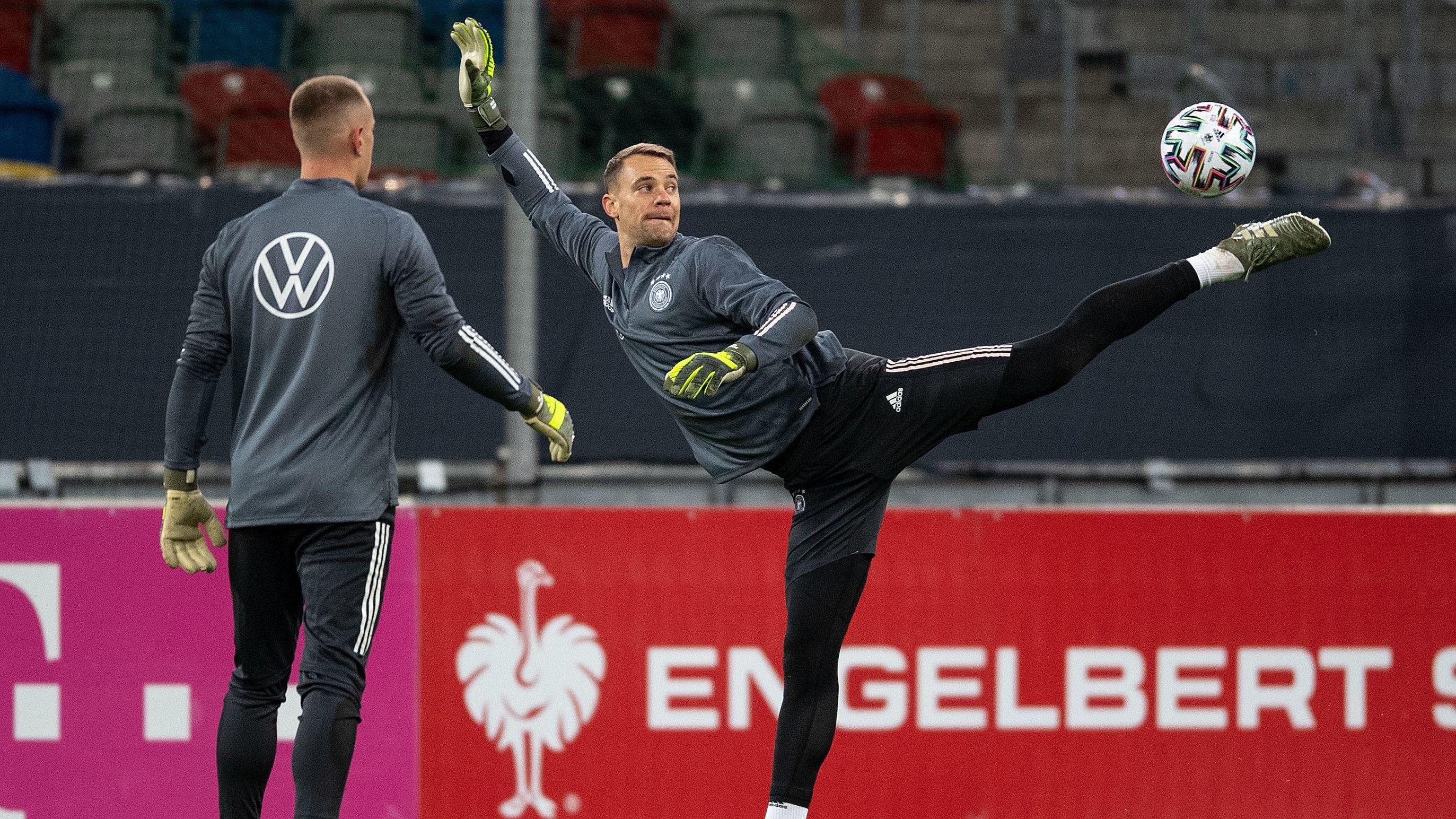 Marc-André ter Stegen (links) und Manuel Neuer beim Training