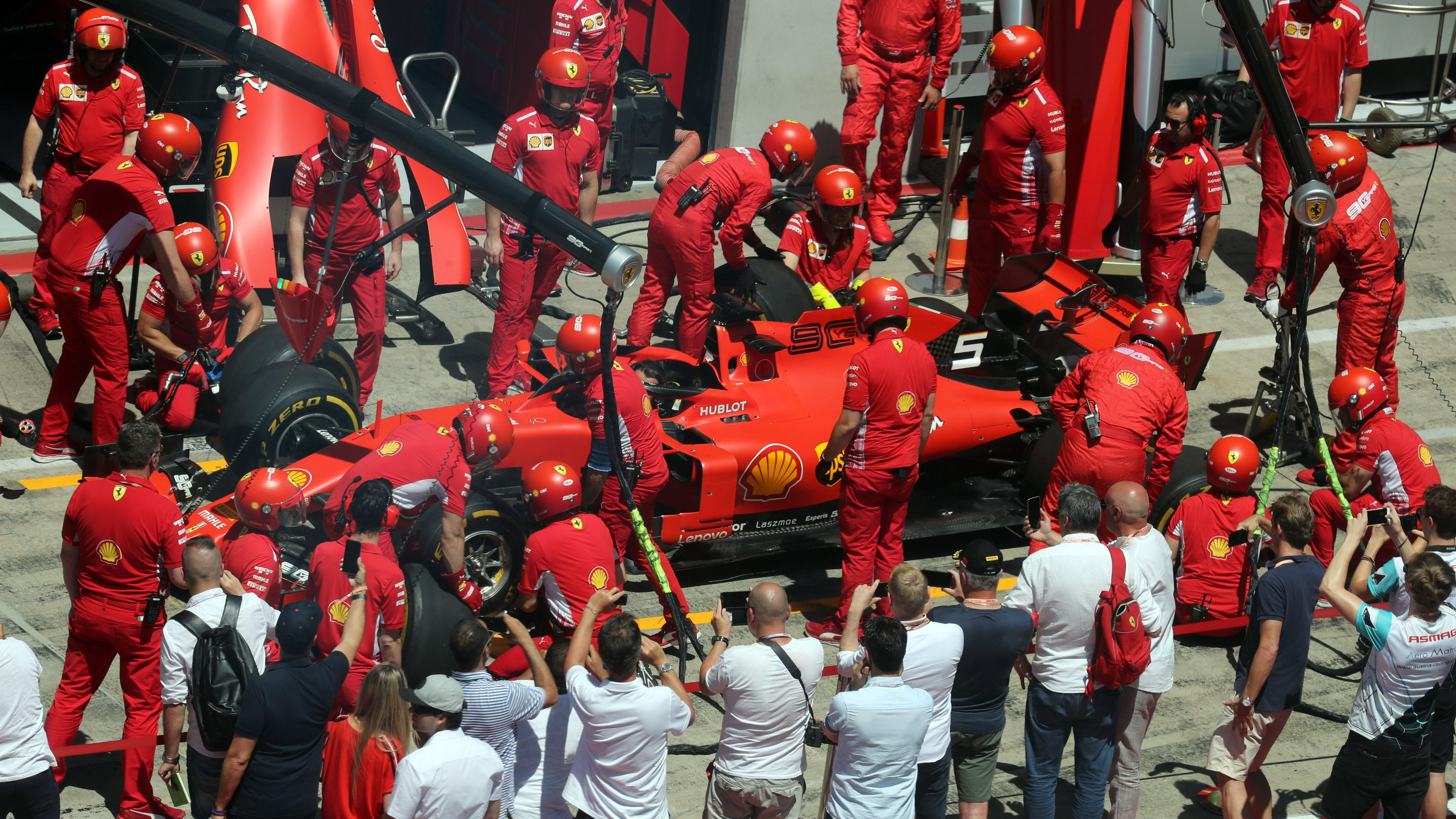 Pannen beim Boxenstopp von Sebastian Vettel