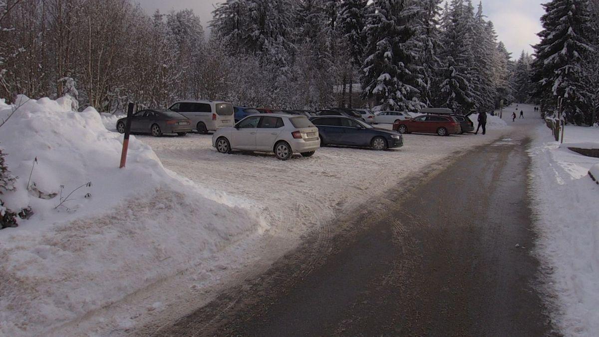 Die Parkplätze in St. Englmar waren nicht - wie an manchen Wochenenden zuvor - überfüllt.