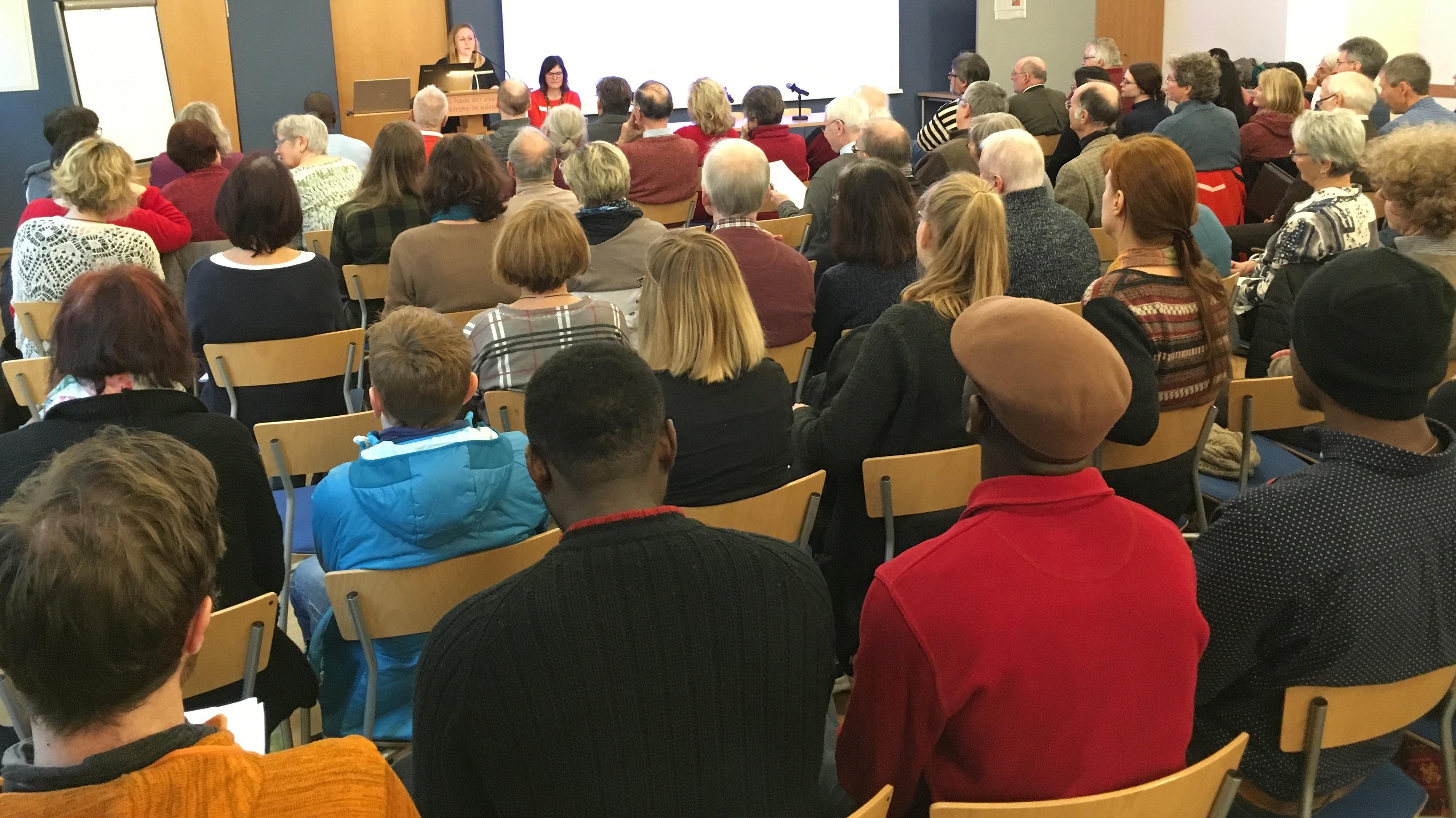 Zweiter Asylgipfel in Nürnberg