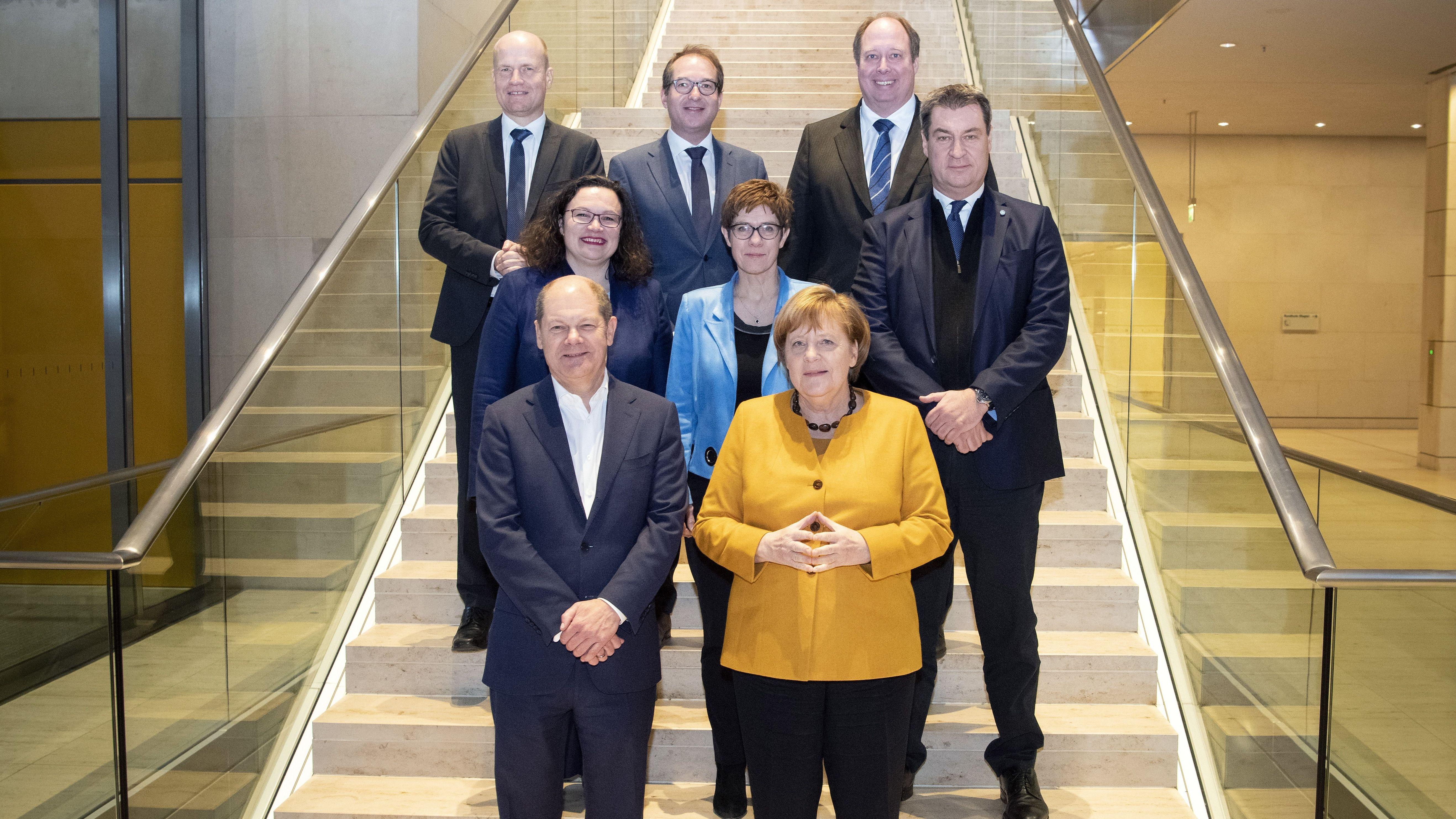 Der Koalitionsausschuss von Union und SPD am 14. März 2019 - in der mittleren Reihe die Chefs von SPD (Nahles), CDU (Kramp-Karrenbauer) und CSU (Söder)
