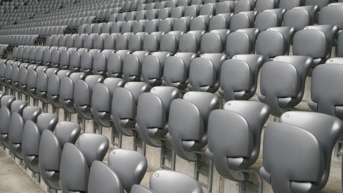 Leere Zuschauerränge in der Allianz Arena
