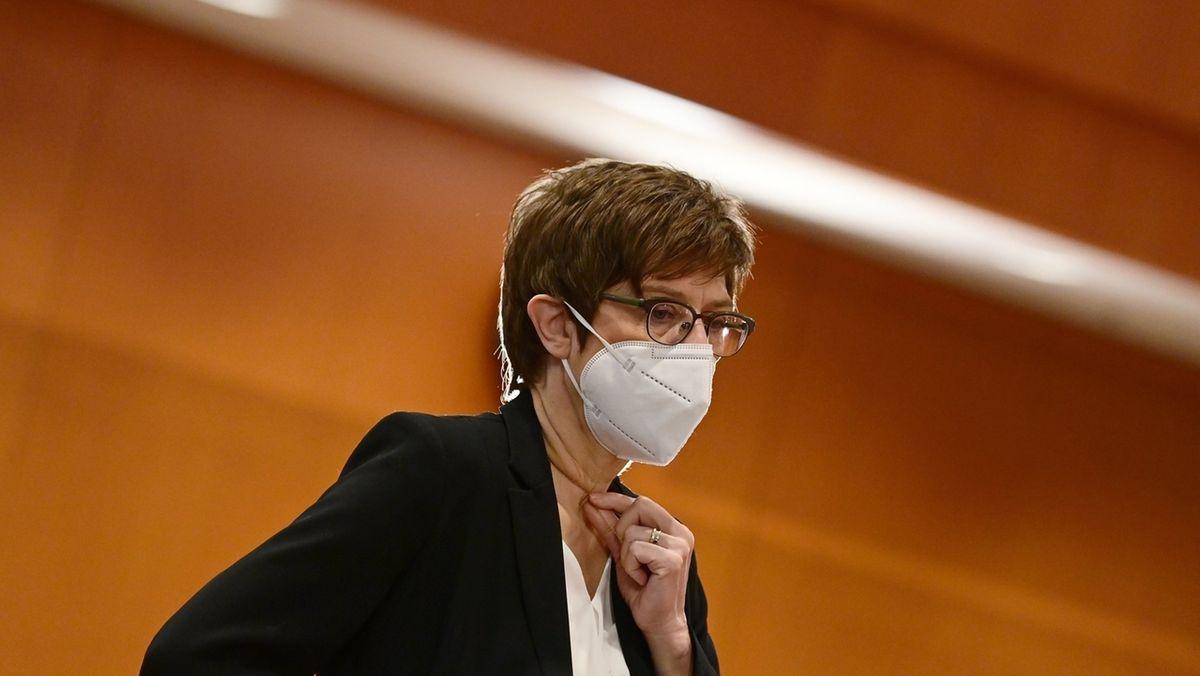 Annegret Kramp-Karrenbauer, CDU, Verteidigungsministerin.