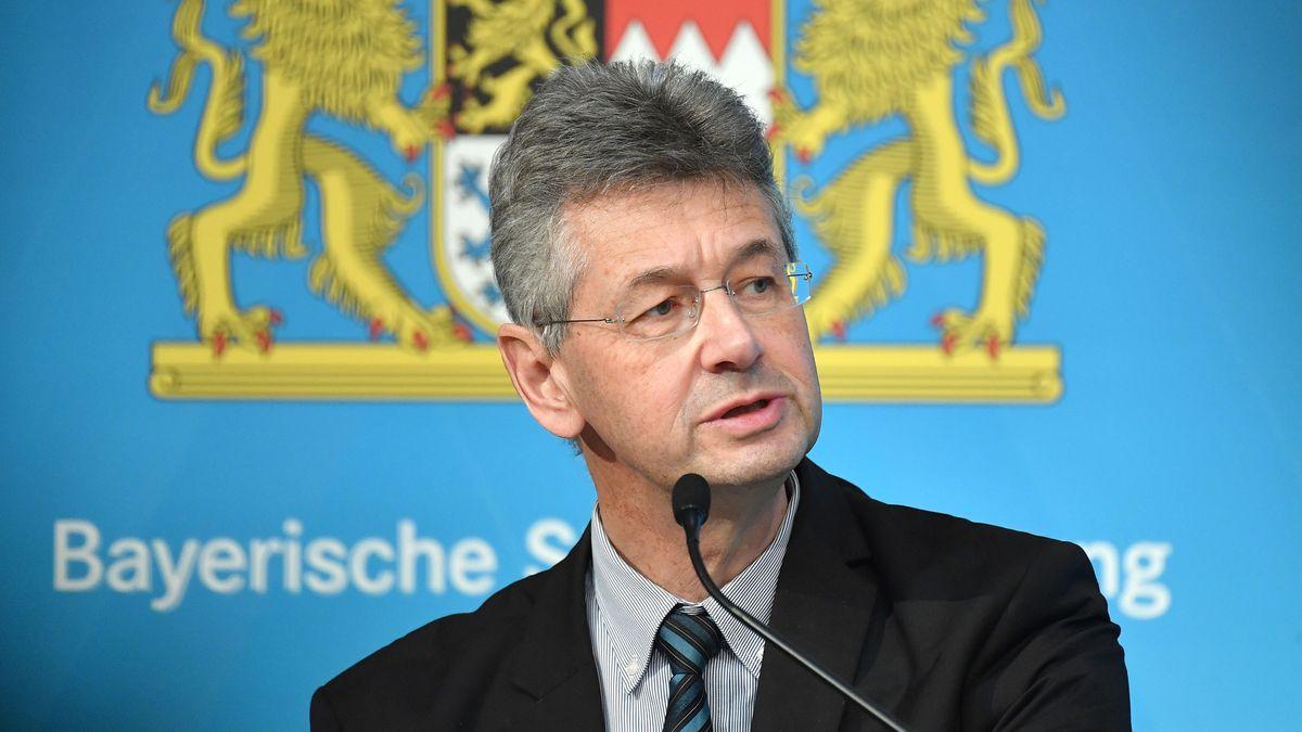 Bayerns Kultusminister Michael Piazolo (Freie Wähler) bei einer Pressekonferenz am 20.01.21
