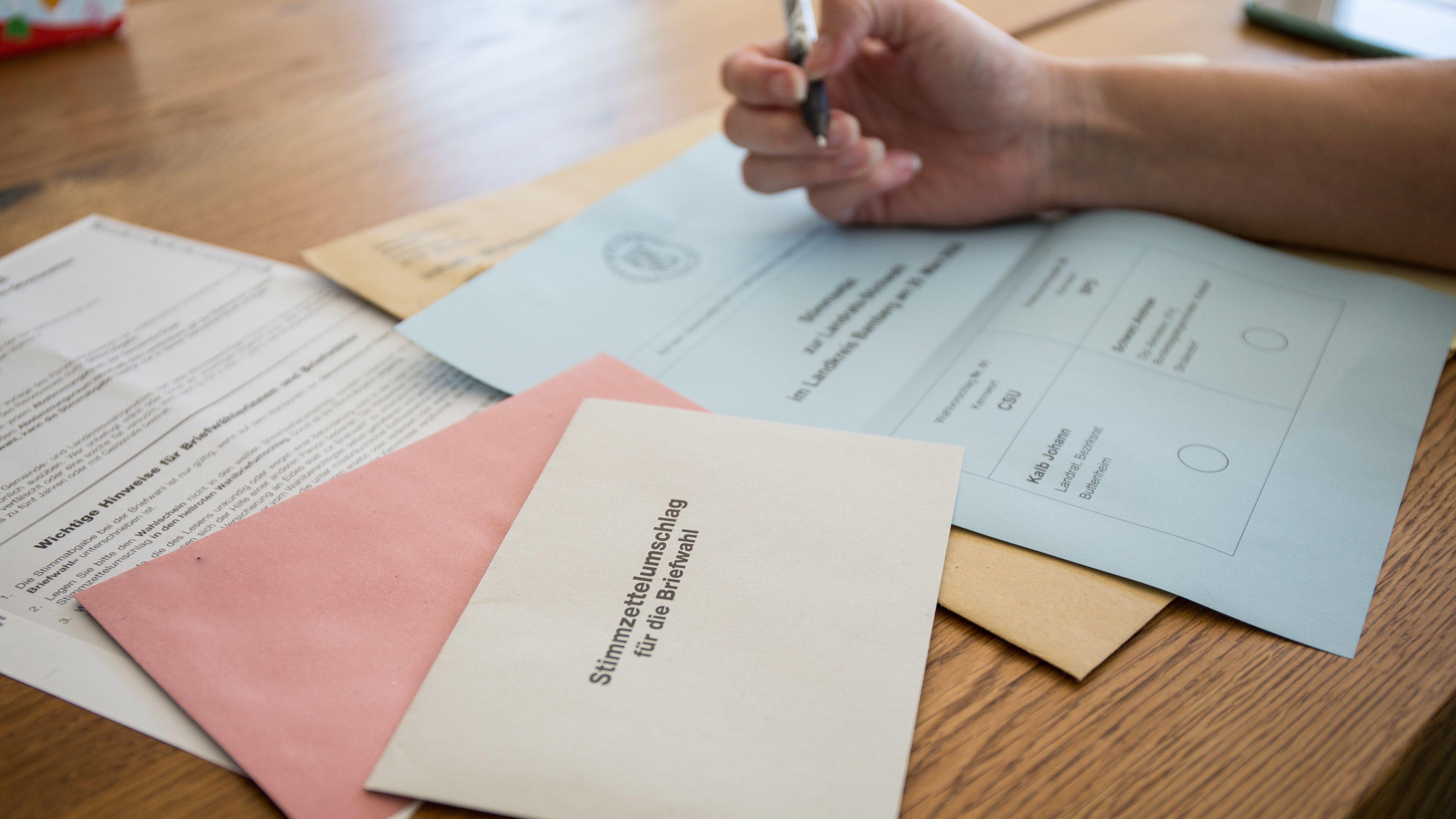 In mehr als 30 Städten und Gemeinden in der Oberpfalz muss die Stichwahl entscheiden, wer neuer wer neuer Rathauschef wird.