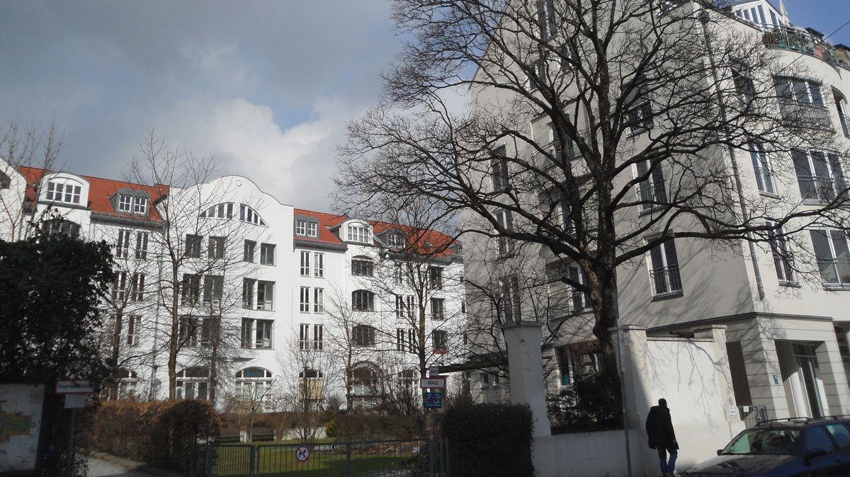 Sanierte Altbauten und Neubauten im Stadtteil Haidhausen in München