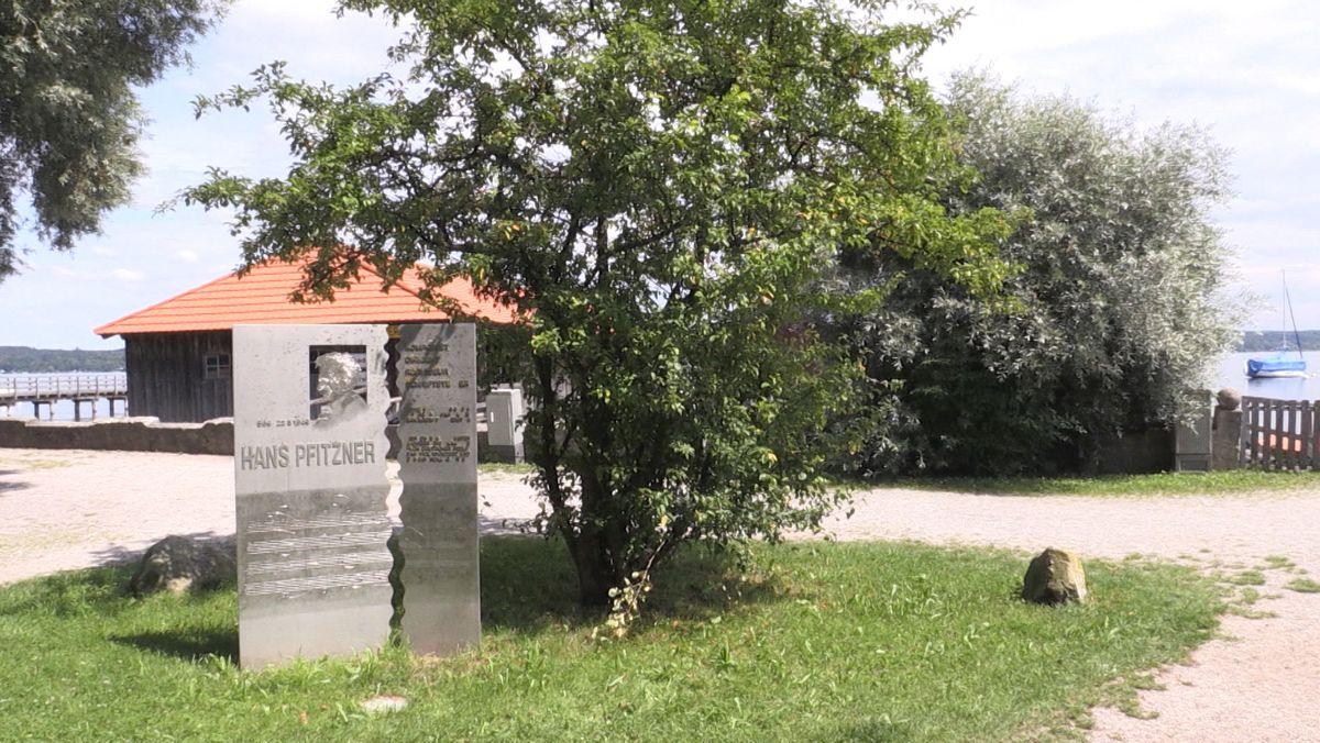 Viele Denkmäler und Straßennamen mit Bezug zum Nationalsozialismus wurden in den letzten Jahren entfernt, umbenannt oder mit Hinweistafeln ergänzt. Und vielerorts wird darum auch noch gerungen, wie damit umzugehen ist. Wie etwa am Ammersee.