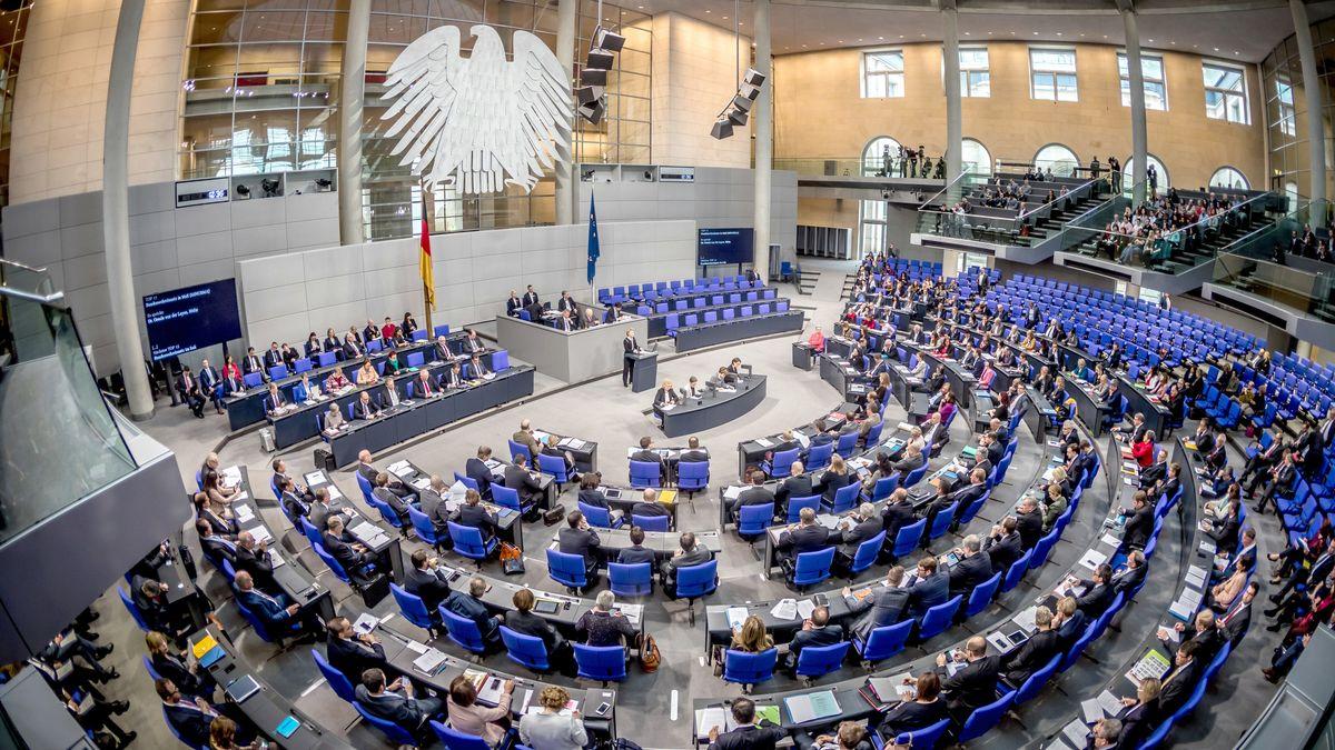 Plenarsaal während einer Sitzung des Deutschen Bundestages