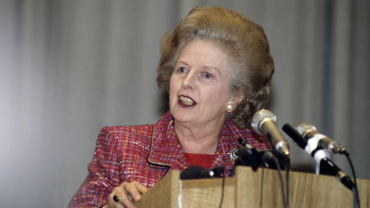 Umstrittene Erinnerung: Margaret Thatcher am Rednerpult