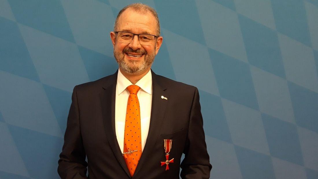 Bundesverdienstkreuz für Armin Falkenhein