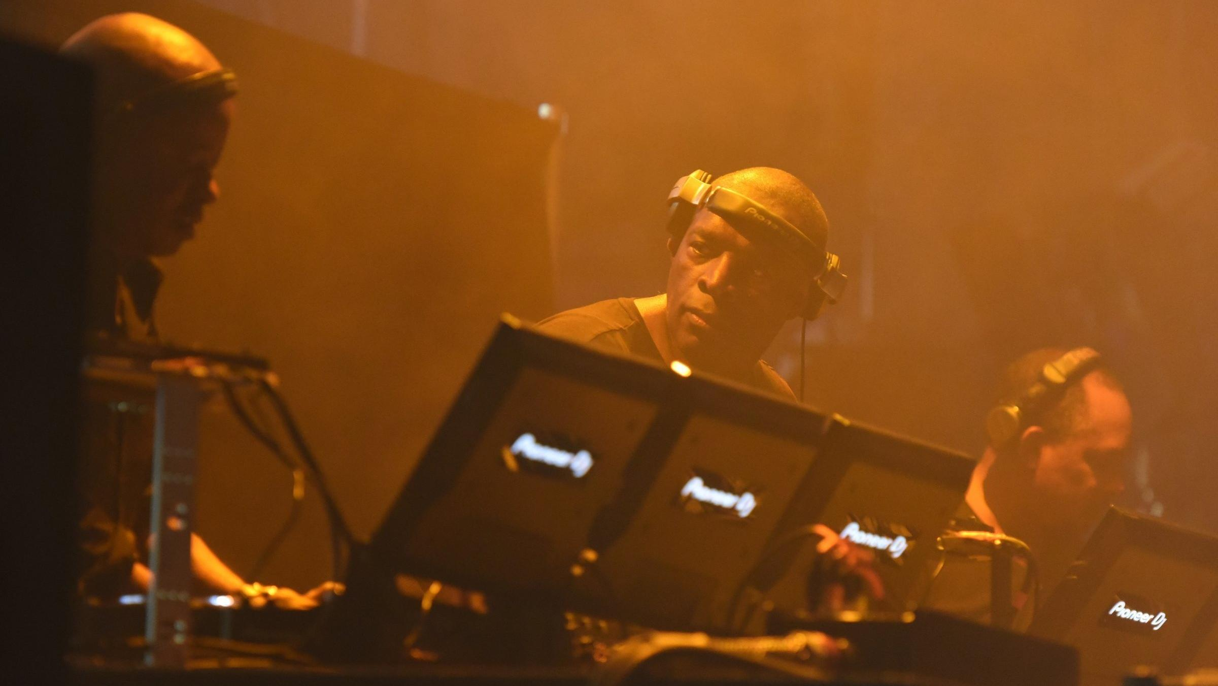Juan Atkins, Kevin Saunderson and Derrick May beim Auflegen