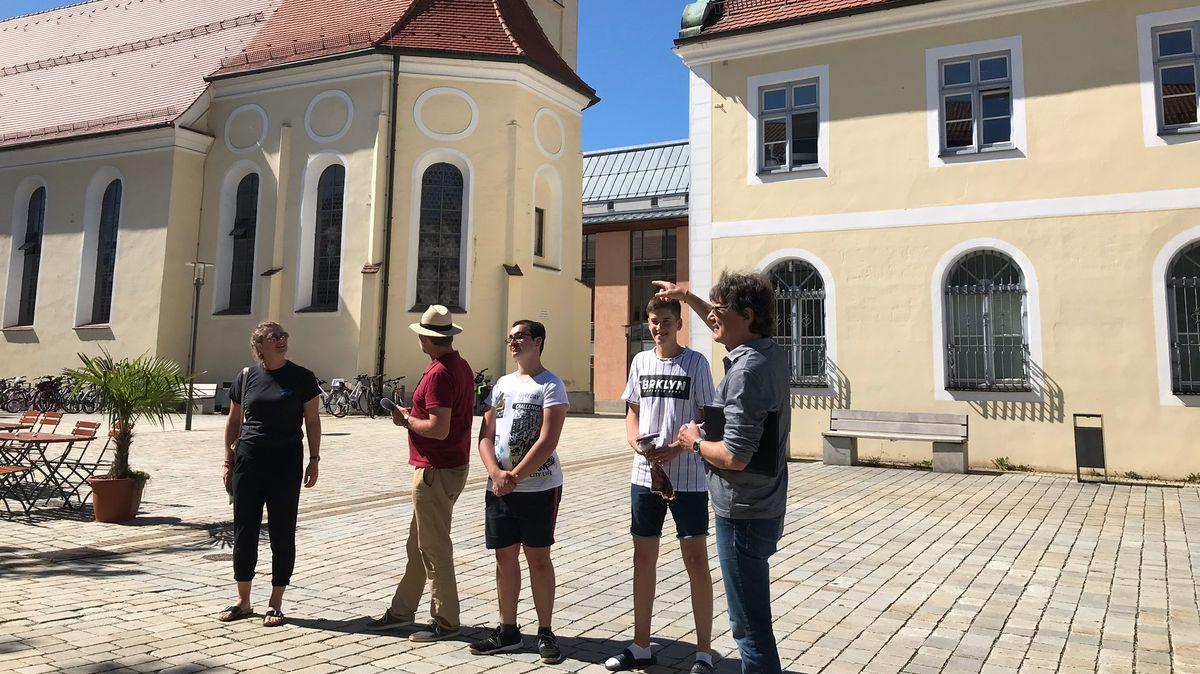 Christoph Thoma und die zwei Heimatscouts Dominik und Thomas