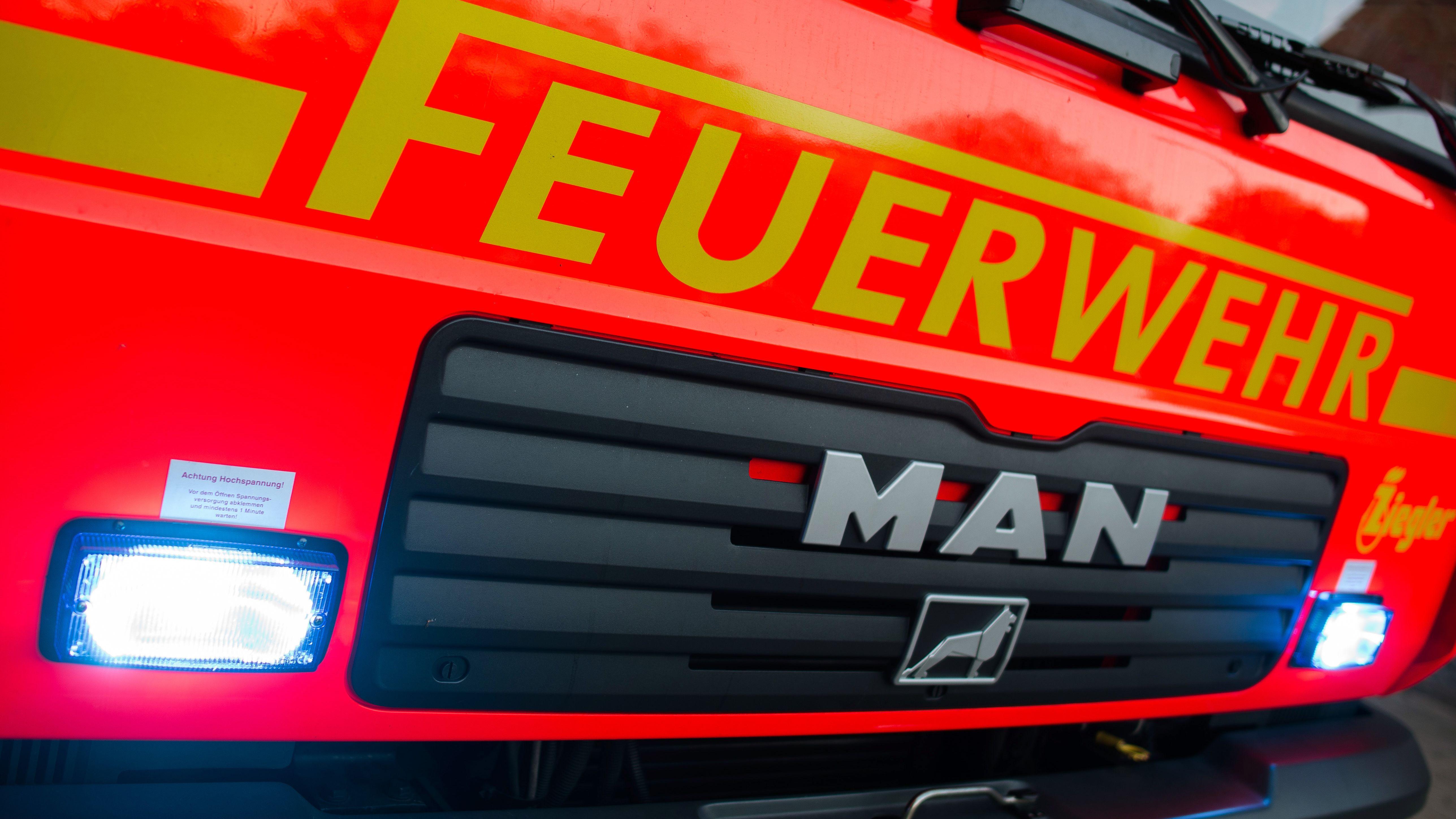 Löschfahrzeug der Feuerwehr (Symbolbild)