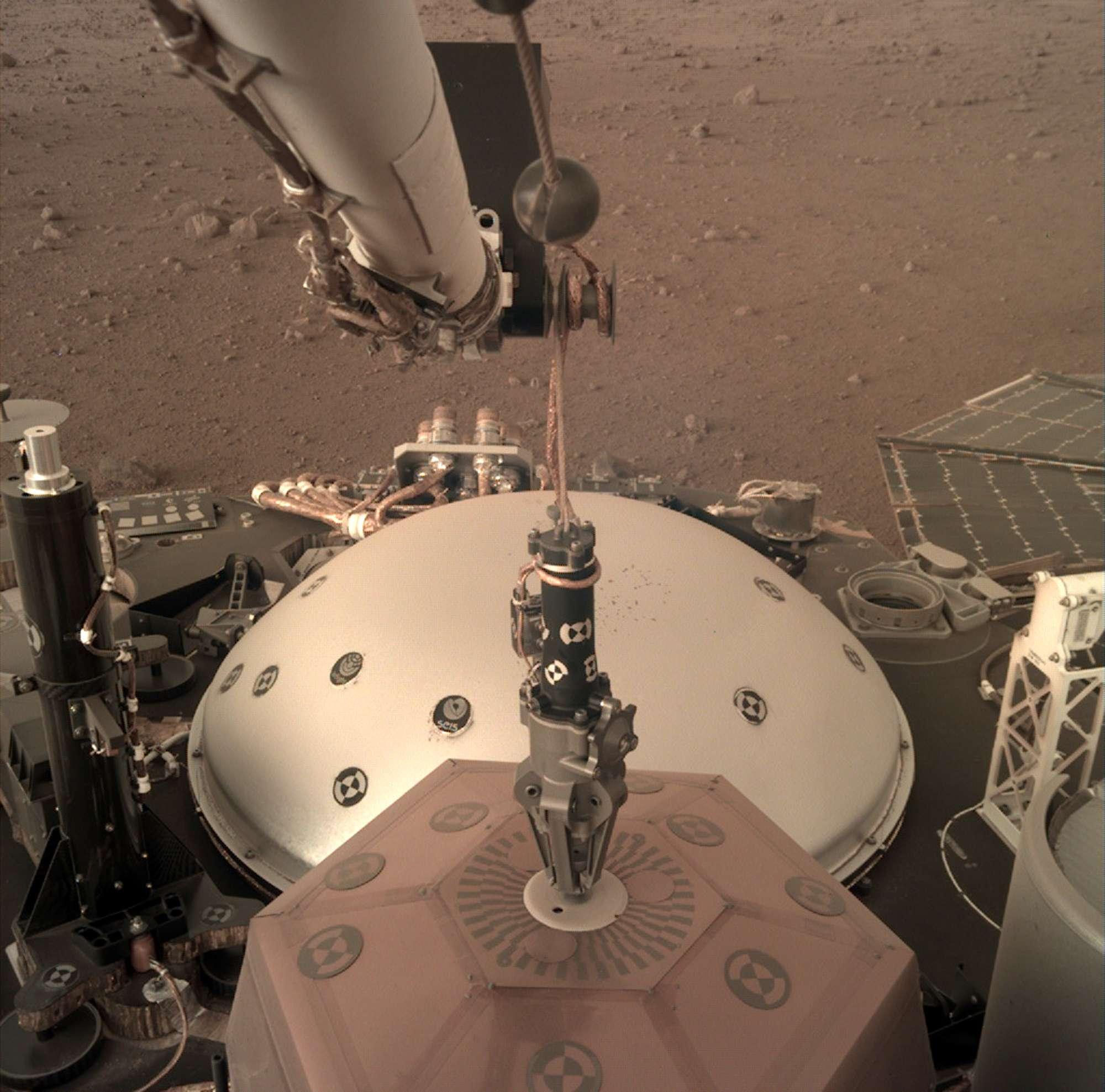 Sonde InSight zeichnet Mars-Beben auf