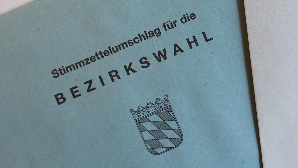 Stimmzettelumschlag für die Bezirkswahl | Bild:pa / dpa / Karl-Josef Hildenbrand