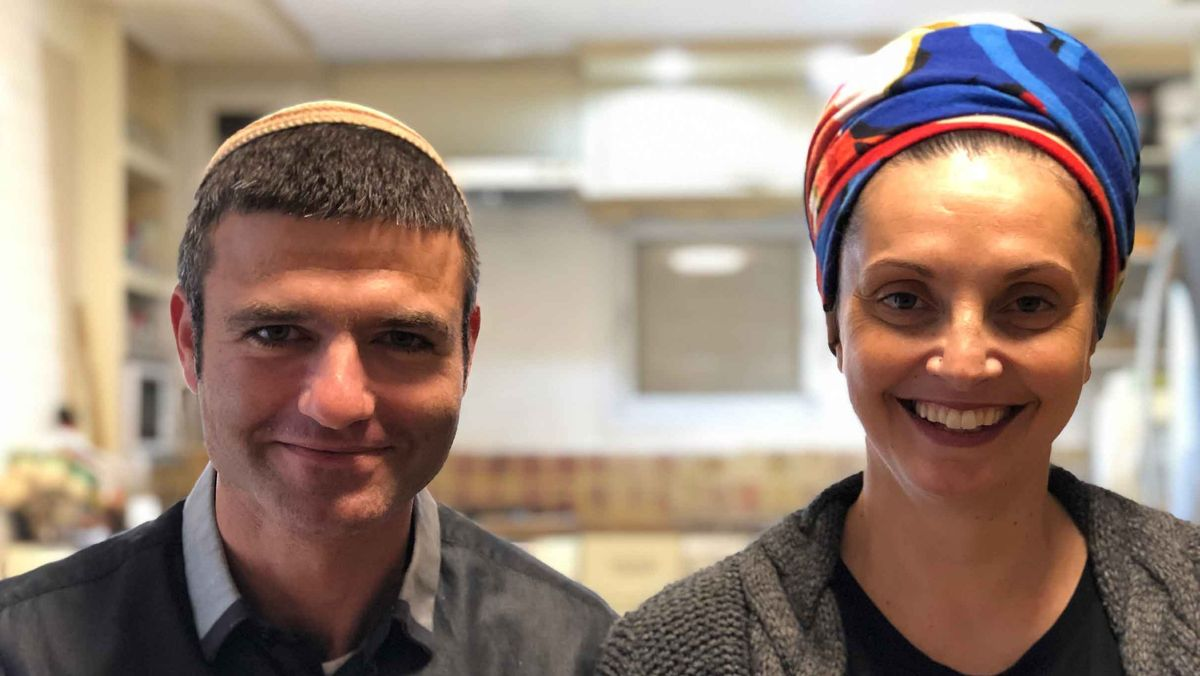 Eitam und Avital Luz in ihrer Küche.