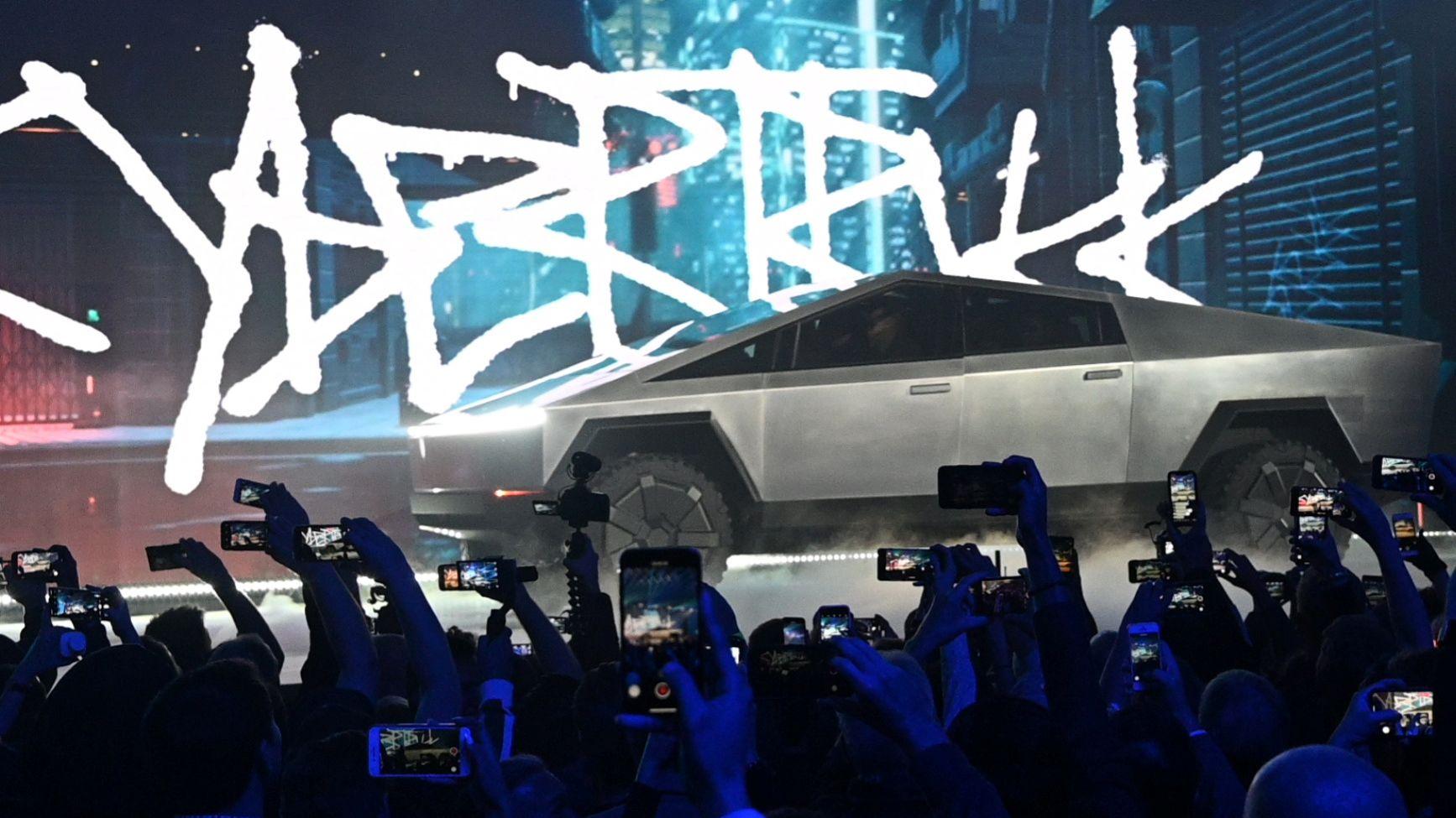 Alle Smartphones sind auf den neuen Tesla Cybertruck gerichtet, Hawthorne, USA, 21.11.2019