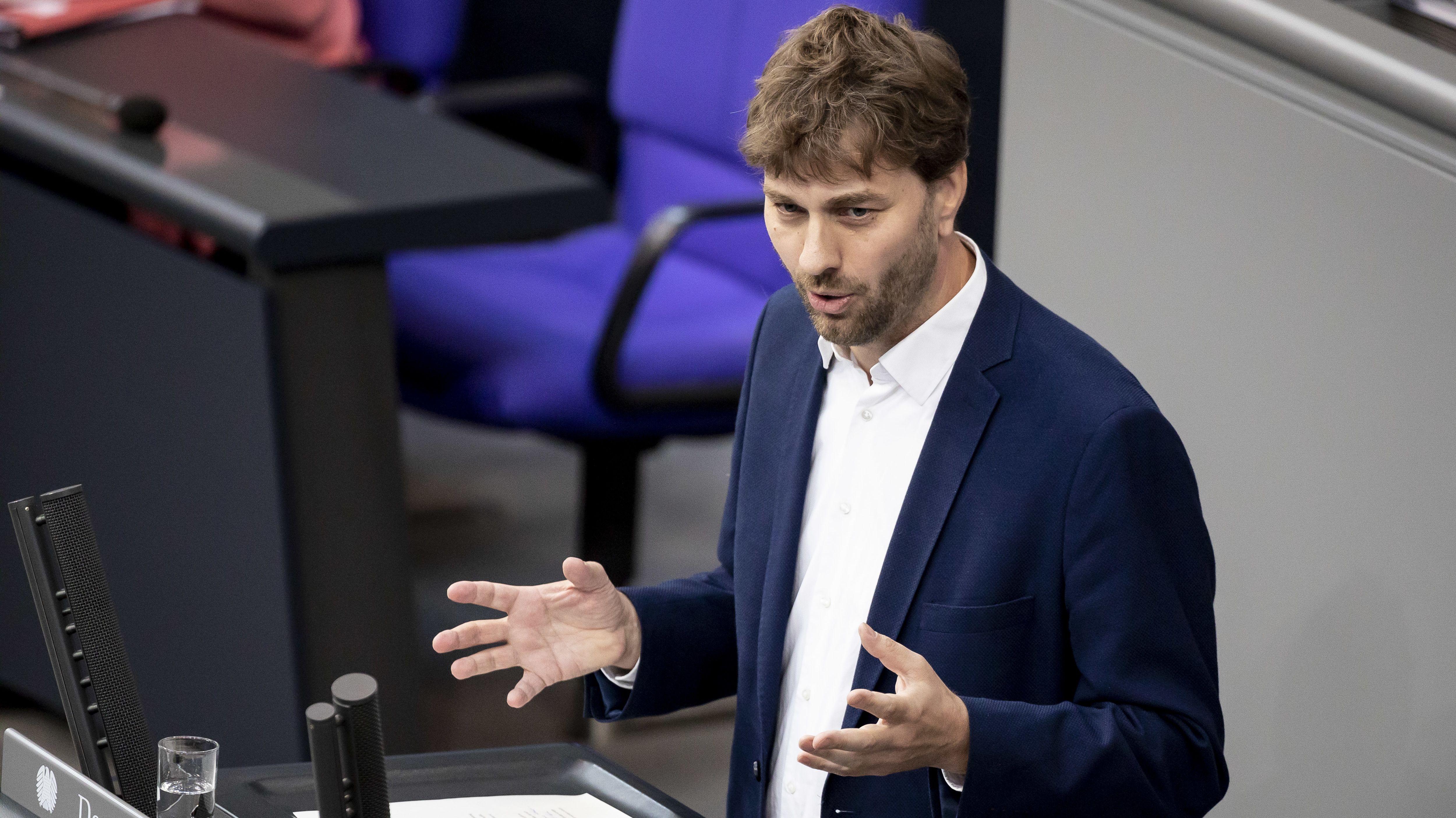 Stefan Gelbhaar (Bündnis 90/Die Grünen), Mitglied des Deutschen Bundestages, bei einer Rede im Bundestag.