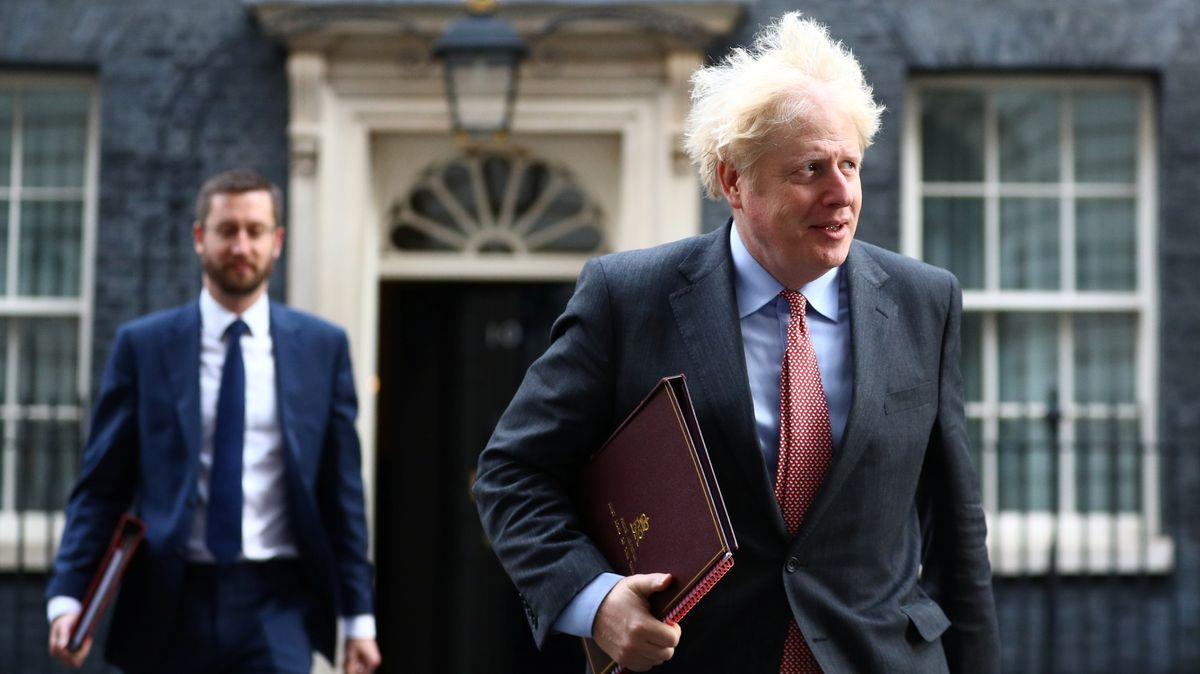 Der britische Premierminister Boris Johnson beim Verlassen seines Amtssitzes am 30.9.2020.