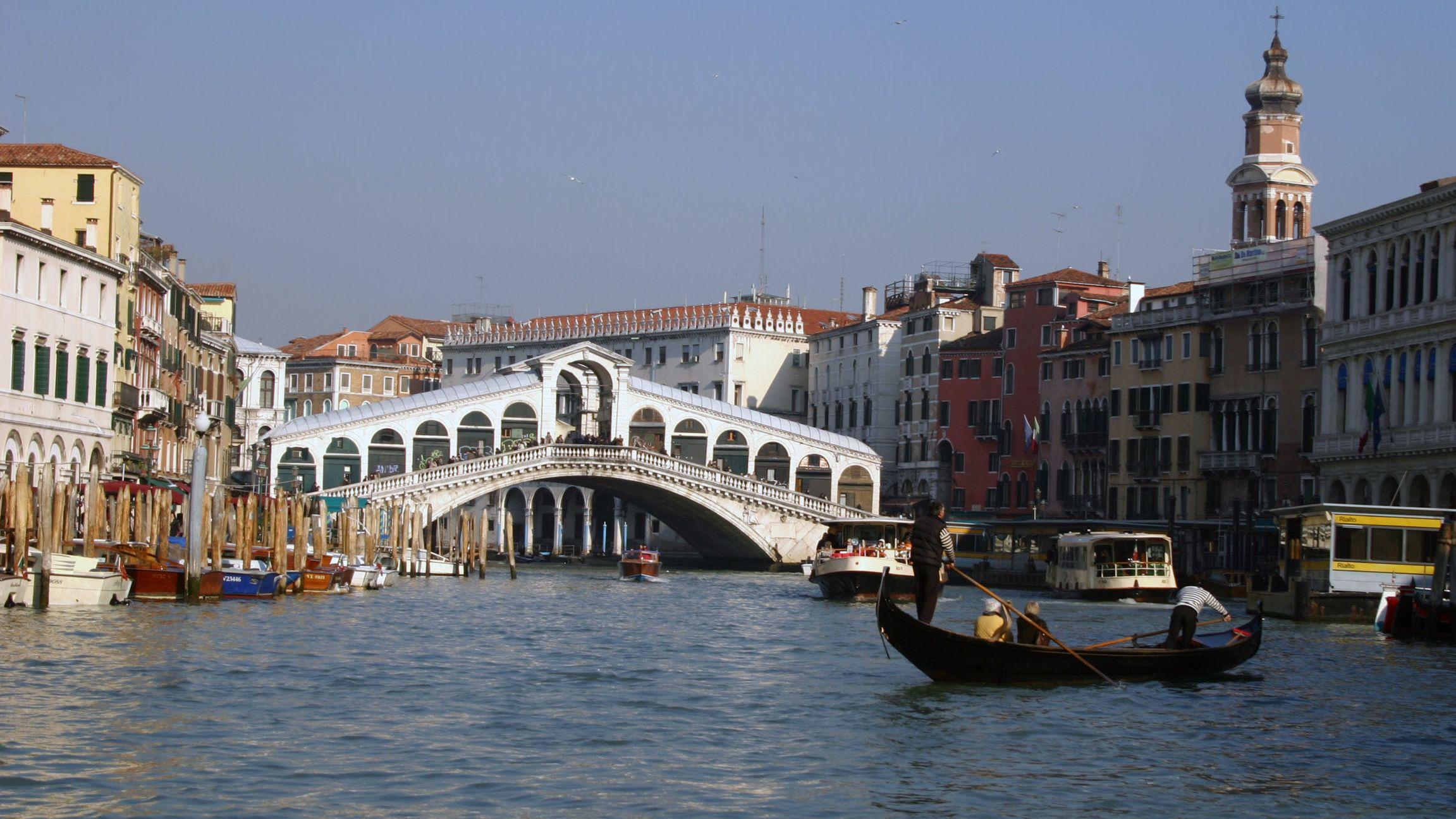 Archivbild: Rialtobrücke in Venedig