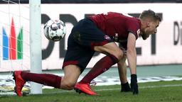 Hanno Behrens reagiert auf seinen Treffer zum 1:1.   Bild:dpa-Bildfunk/Daniel Karmann