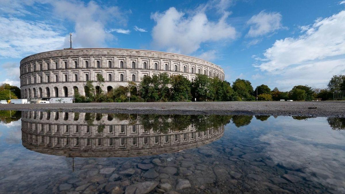 Die Nürnberger Kongresshalle auf dem Reichsparteitagsgelände.