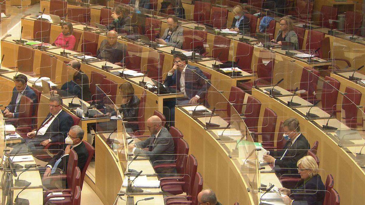 Ministerpräsident Söder will den Landtag im Nachhinein über die verschärften Maßnahmen beraten lassen