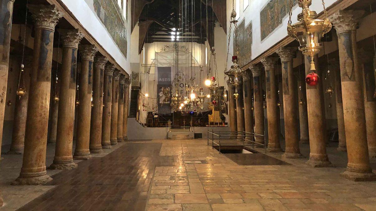 Das frisch renovierte Hauptschiff der Geburtskirche in Bethlehem.