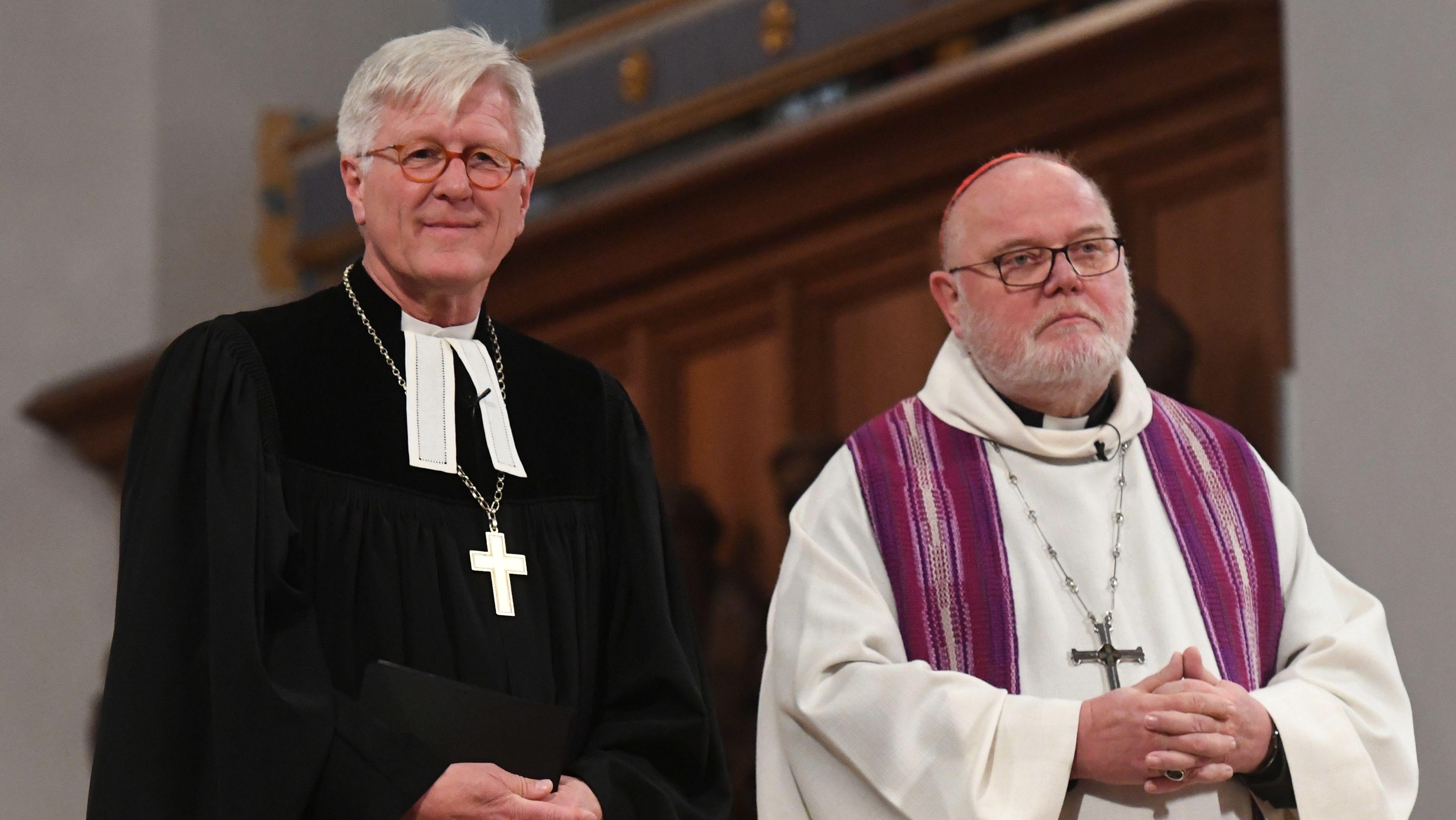 Der evangelische Landesbischof Heinrich Bedford-Strohm und der Erzbischof von München und Freising, Kardinal Reinhard Marx. (Archivbild)
