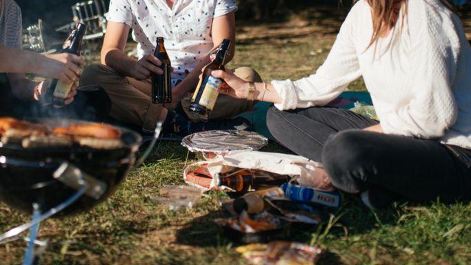 Feiern im Freien (Symbolbild)