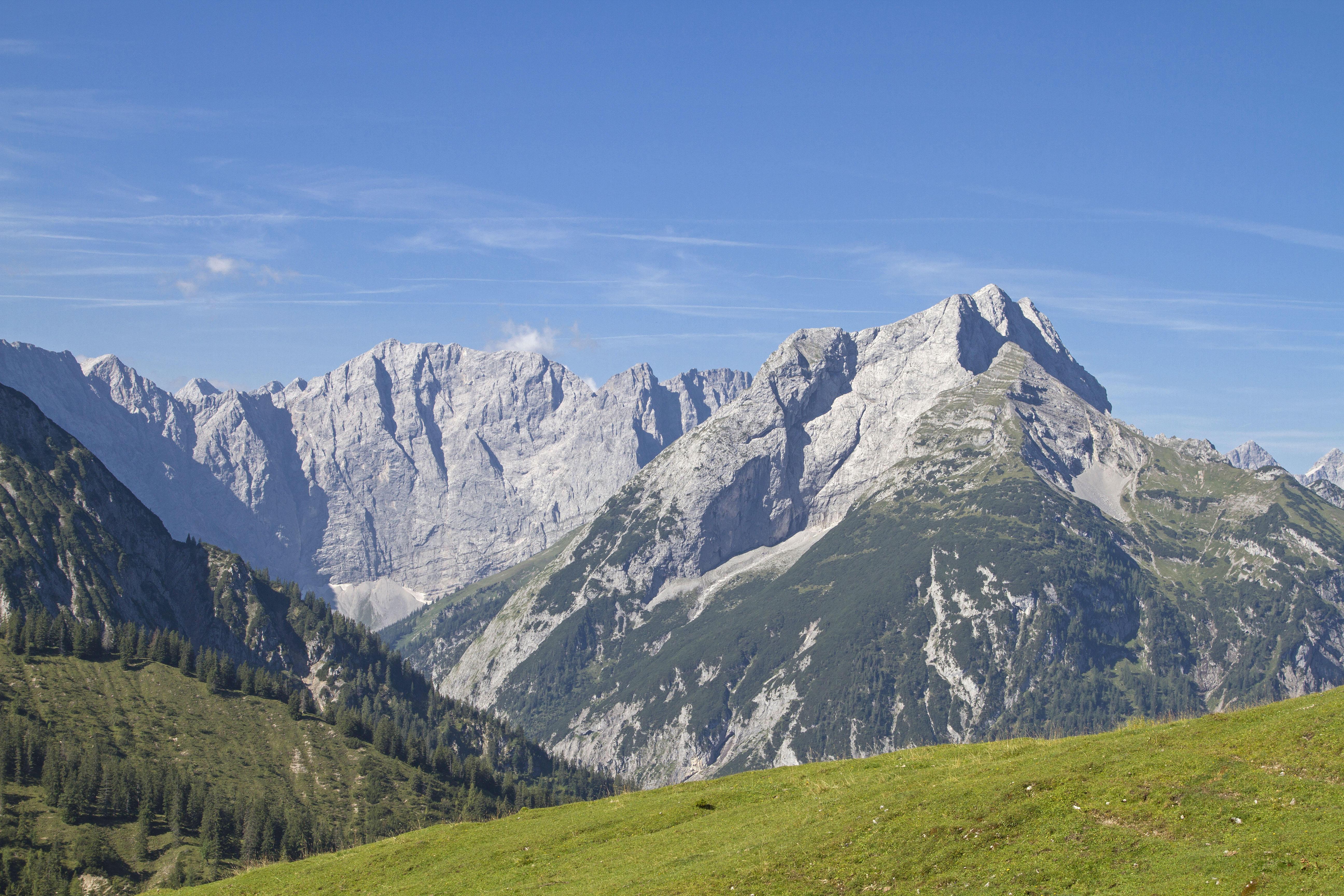 Blick aufs Karwendelgebirge vom Plumsjoch aus gesehen