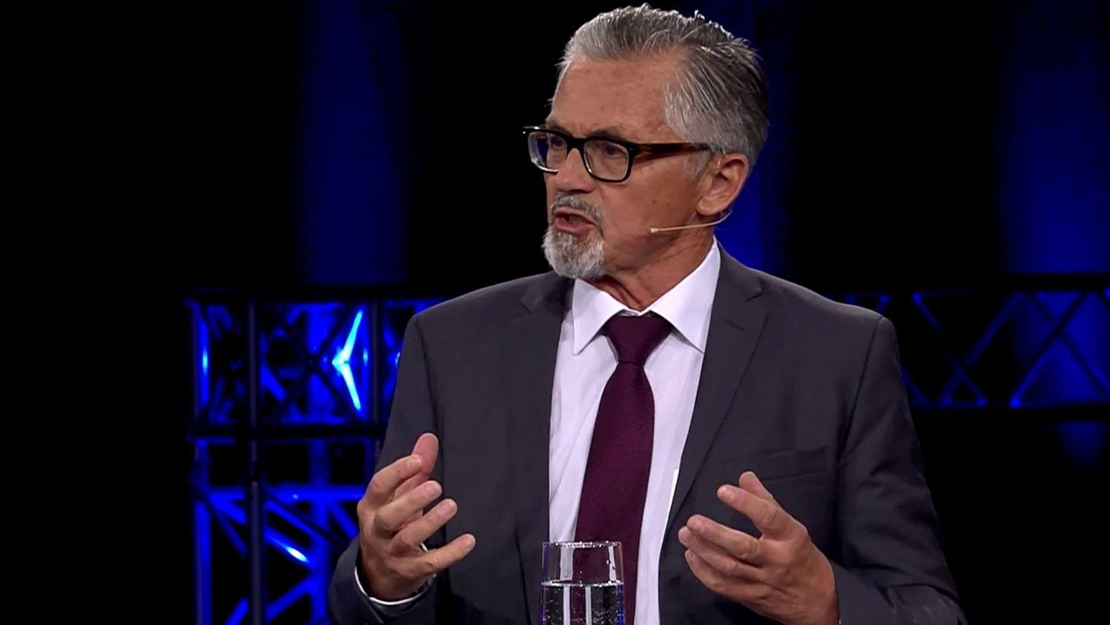 Der AfD-Kandidat Bernhard Zimniok in der BR Wahlarena