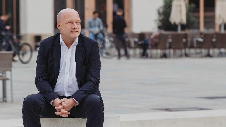 Joachim Wolbergs, war seit 2014 Oberbürgermeister, wurde 2017 suspendiert und 2020 abgewählt.