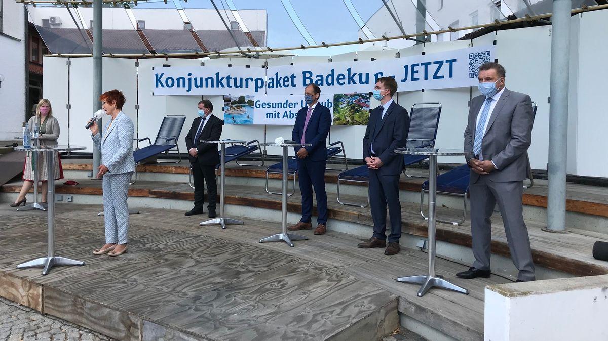 Die Bürgermeister und Politiker bei der Demo