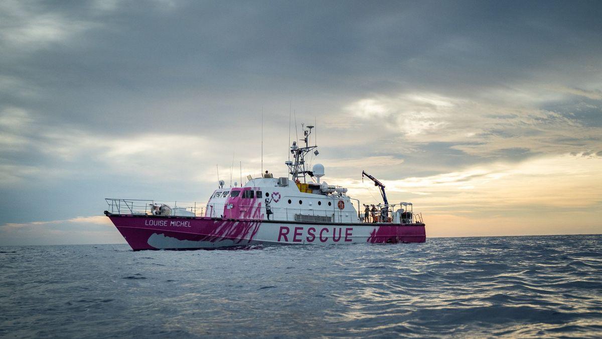 """Von Banksy bemaltes Sea-Watch Rettungsschiff """"Louise Michel"""""""