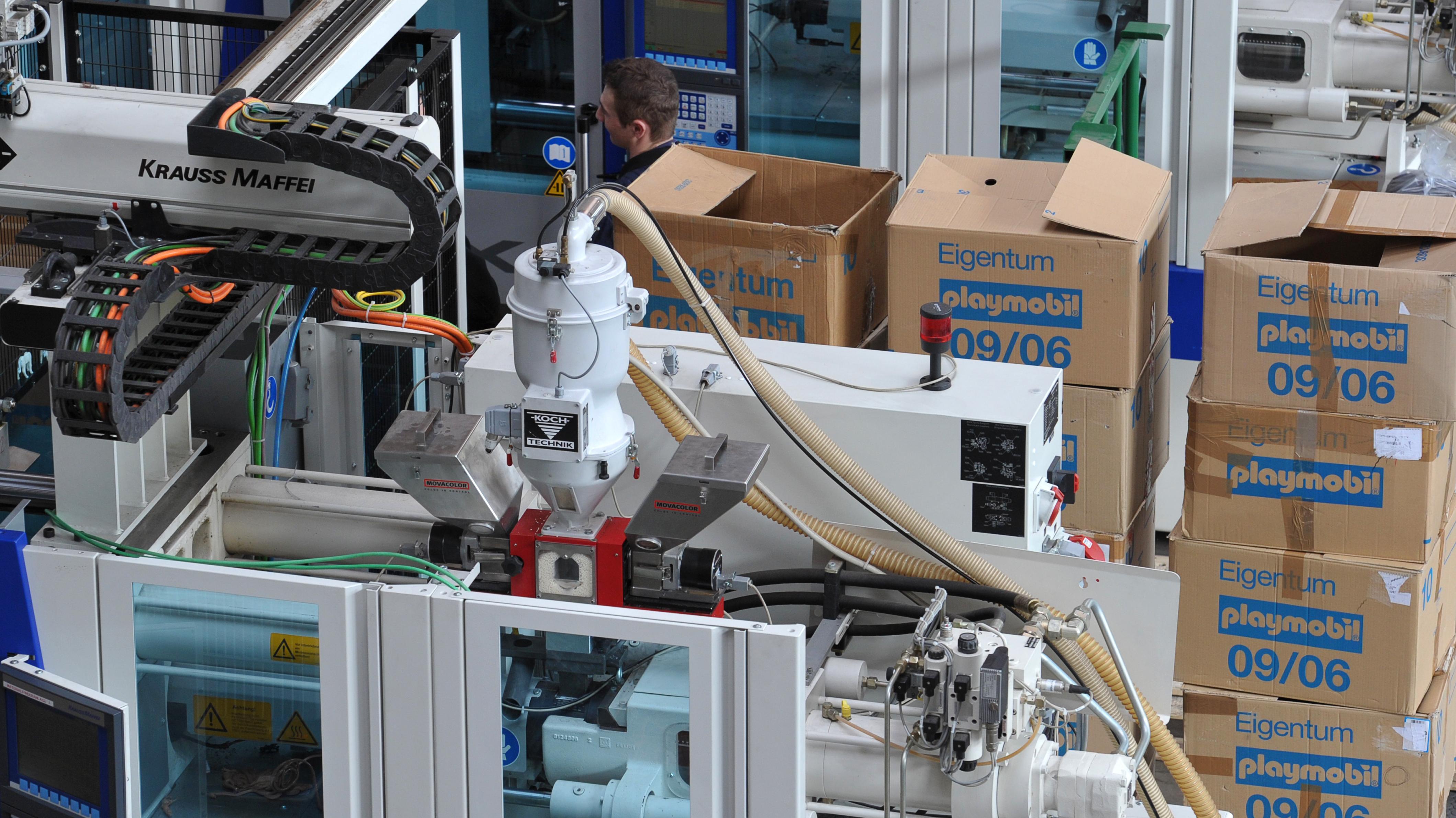 Blick in eine Produktionshalle bei Geobra Brandstätter (Archivbild)