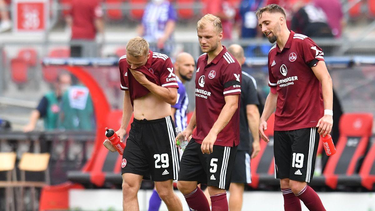 Club-Spieler nach dem 0:0 gegen Erzgebirge Aue