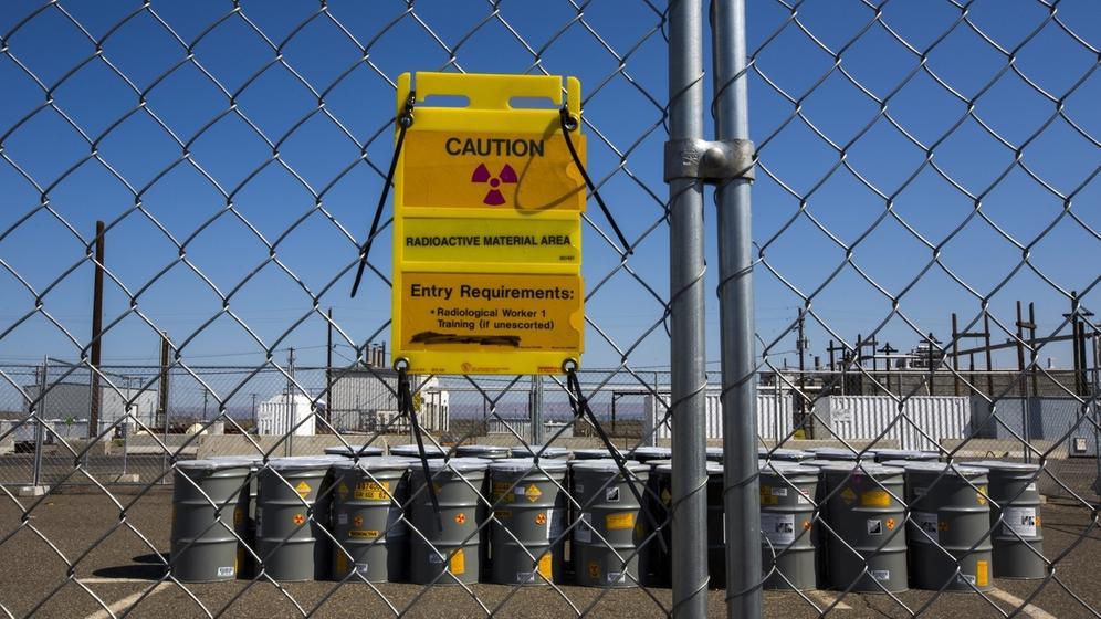 Fässer auf dem Gelände von Hanford Site   Bild:picture-alliance/dpa